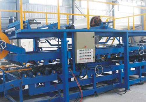彩钢夹芯板生产线