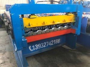 高强钢车厢瓦楞板机